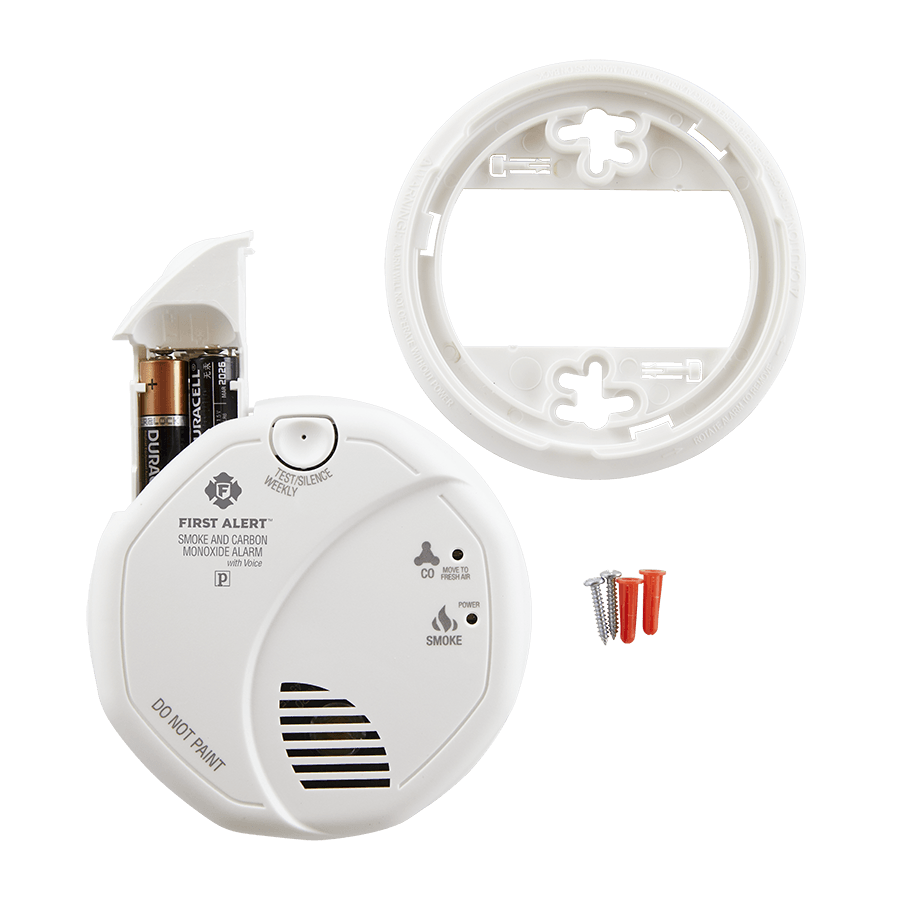 First Alert SCO7CN Combination Smoke and Carbon Monoxide Detector with Voice and Location Battery Operated